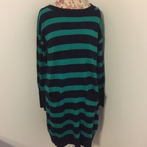 J Crew brand woman's medium sweater dress pockets